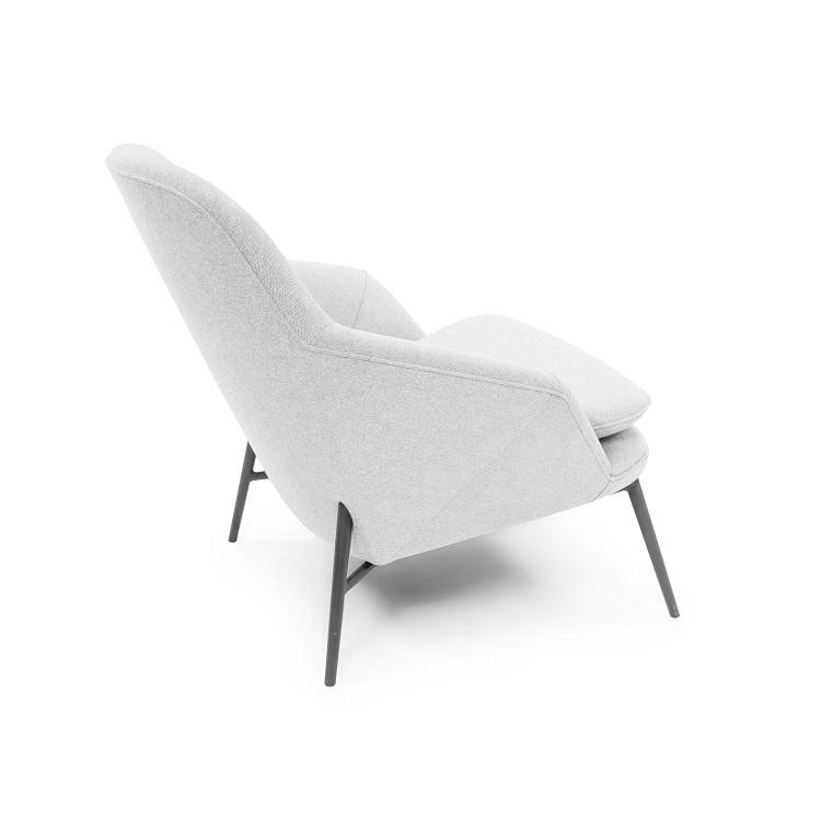 Hug Lounge Chair